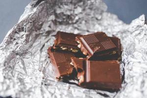 Snack Saludable con Chocolate y frutos secos.