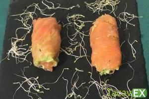 Rollitos de salmón con aguacate. Aperitivo o Cena Fácil y Saludable.